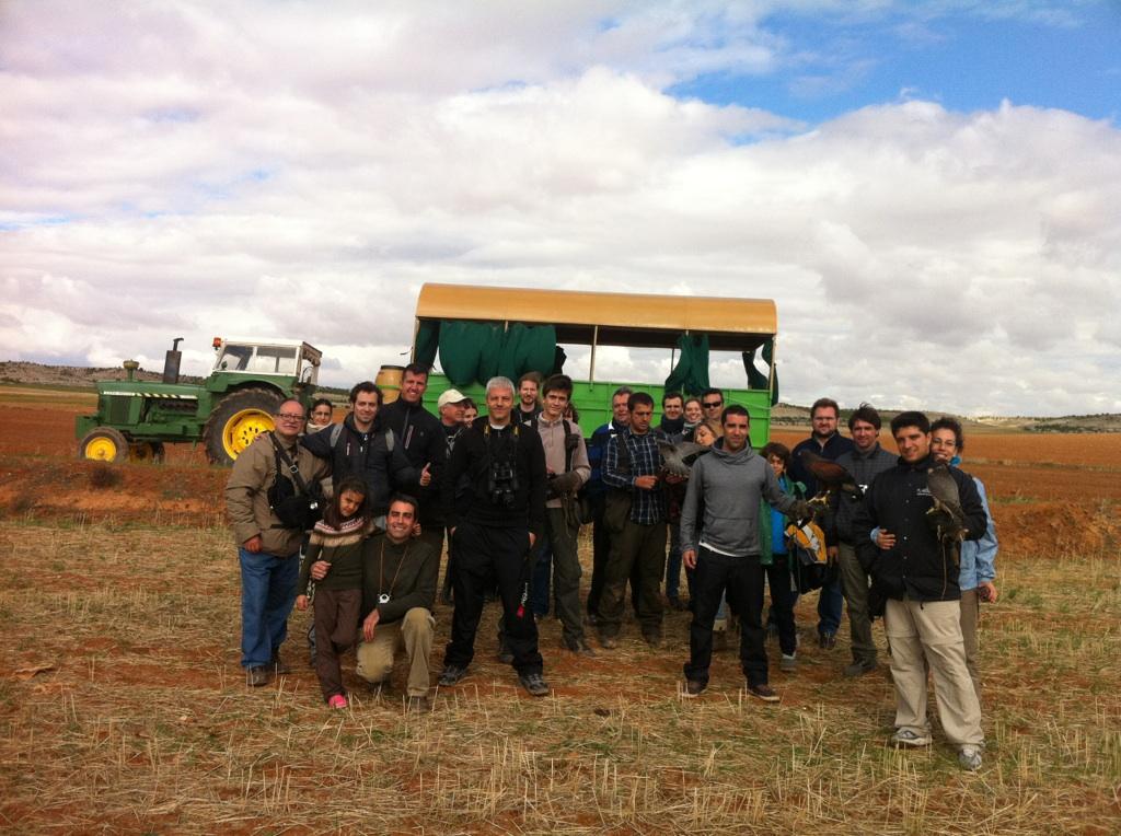 Grupo de participantes en la jornada cetrera
